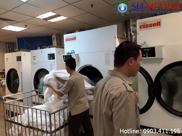 Xưởng giặt là công nghiệp cần những máy móc gì?