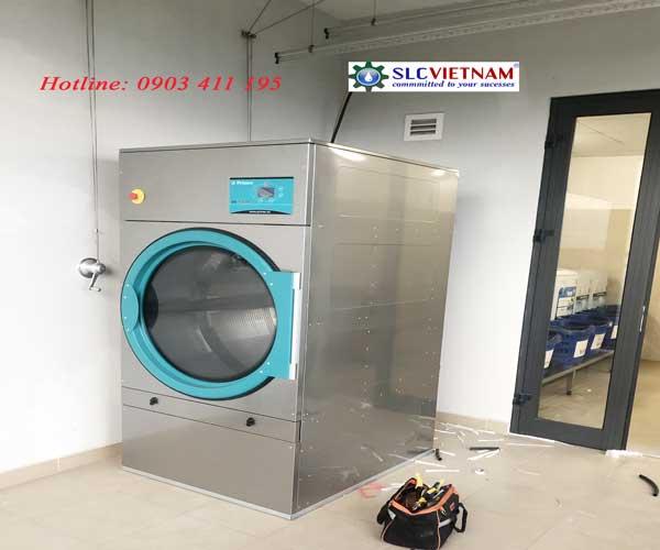 Lắp đặt máy giặt công nghiệp Primer tại PVF Việt Nam.